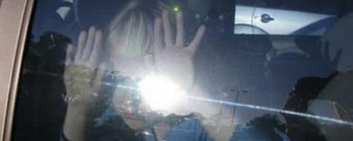 Оставление детей в машине без присмотра: как наказывать нерадивых родителей