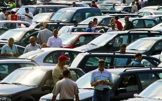 Покупать подержанный автомобиль сейчас или подождать?