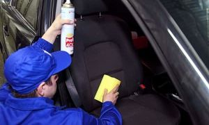 Можно ли почистить салон автомобиля своими руками?