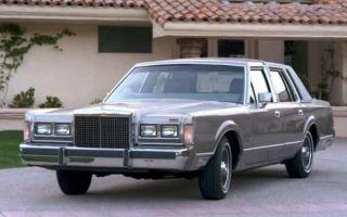 Обзор ретро автомобиля Lincoln Town Car 2 поколения 1989 года