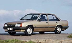 Opel Rekord 1982 года — ретро обзор