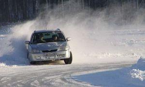 Как справиться с заносом на зимней дороге?