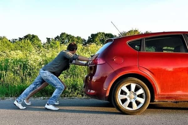 Завеести машину с толкача