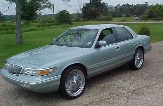 sedan-mercury-grand-marquis