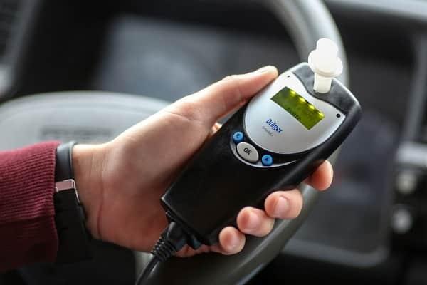 Алкозамок в автомобиле: плюсы и минусы