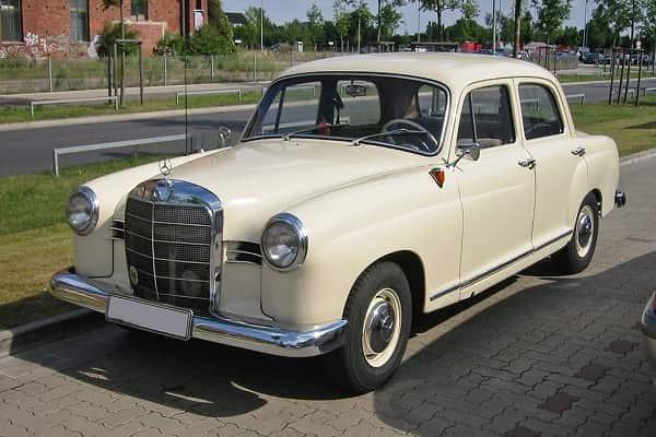 Ретро автомобиль Mercedes-Benz W120-W121