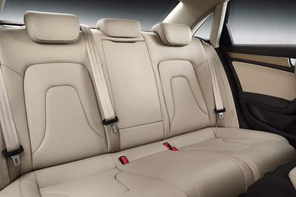 Салон Audi A4 Sedan 2022
