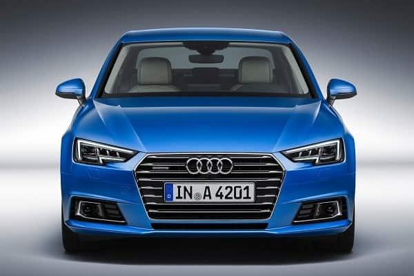Audi A4 Sedan вид спереди