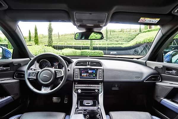 Interer Jaguar XE