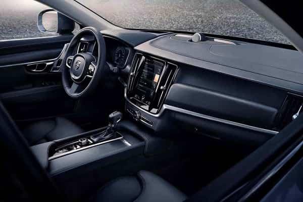 Салон Volvo V90 Cross Country