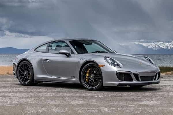 Porsche 911 2018 года