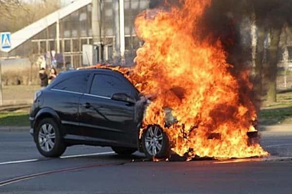 Самовозгорание автомобиля