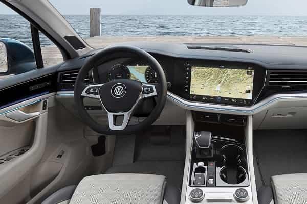 Салон Volkswagen Touareg 2018 года