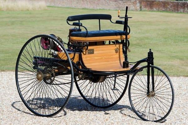 Первый автомобиль Карла Бенца-min