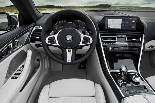 Салон BMW 8 Series 2019 года