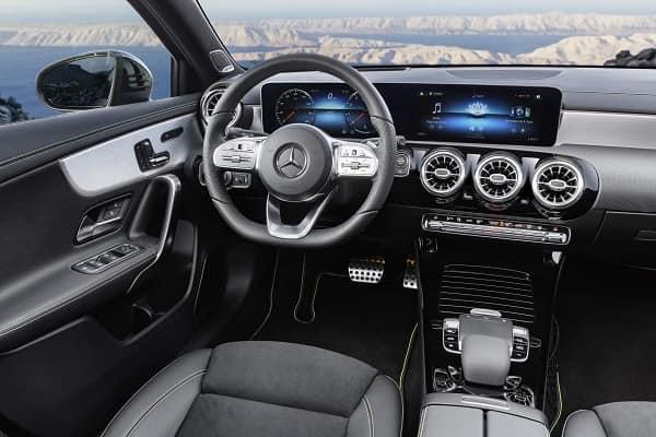 Салон Mercedes-Benz A200 2019 года