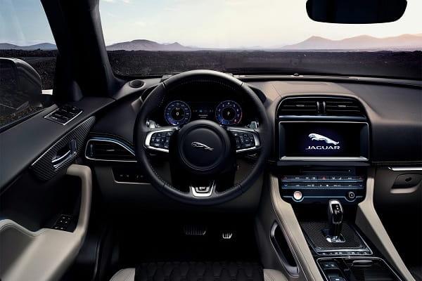Салон Jaguar F-Pace SVR