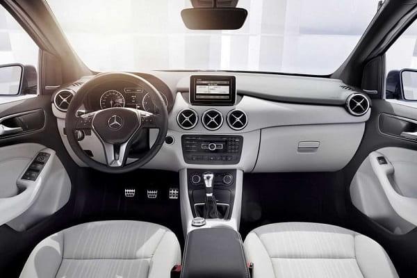 Салон Mercedes-Benz B 180