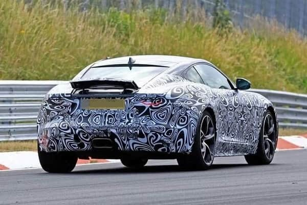 Jaguar F-Type 2020 года
