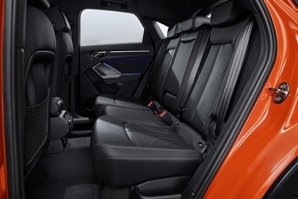 Задний ряд Audi Q3 второго поколения