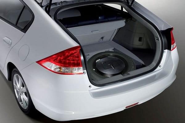 Автомобильный сейф в багажнике