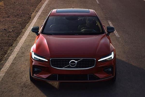 Новый Volvo S60 2019 года