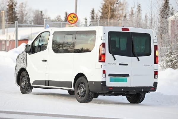 Renault Trafic 2021 года