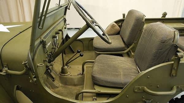 Салон Ford GPW 1943