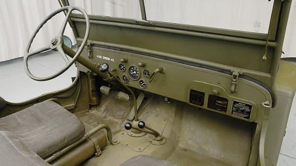 Салон Ford GPW