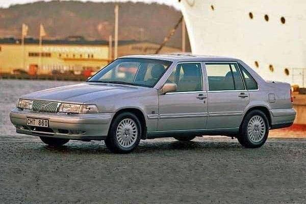 Бизнес-седан Volvo S90 1997