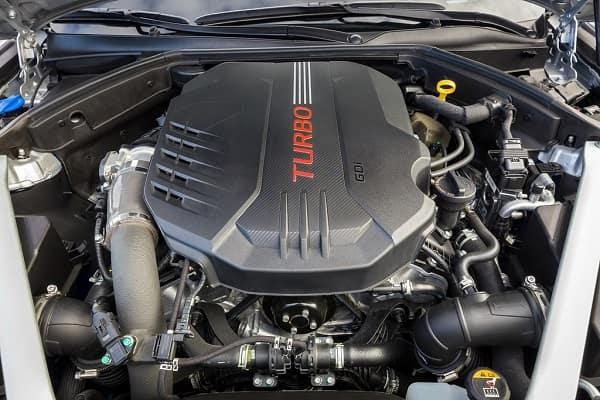 Двигатель Обзор Genesis G70 2020 года