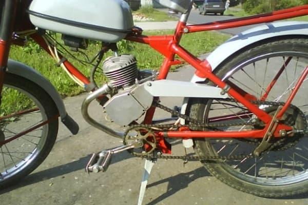 Двигатель Рига-13