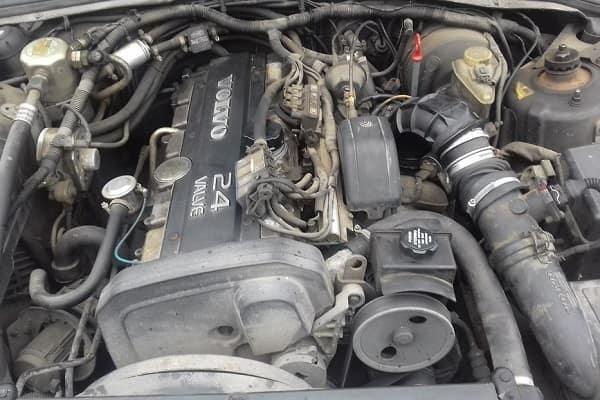 Двигателль Volvo S90 1997 года