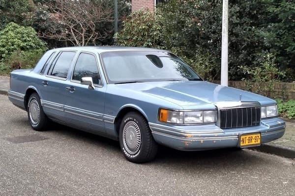 Lincoln Town Car 1991 года