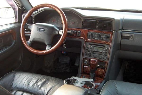 Салон Volvo S90 1997 года