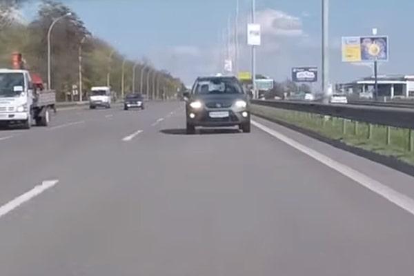 Световые сигналы на дороге