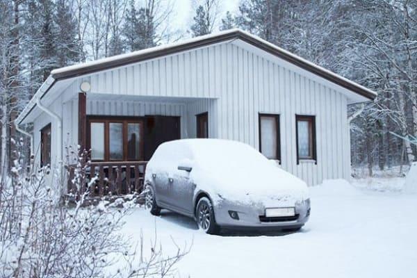Зимняя стоянка автомобиля